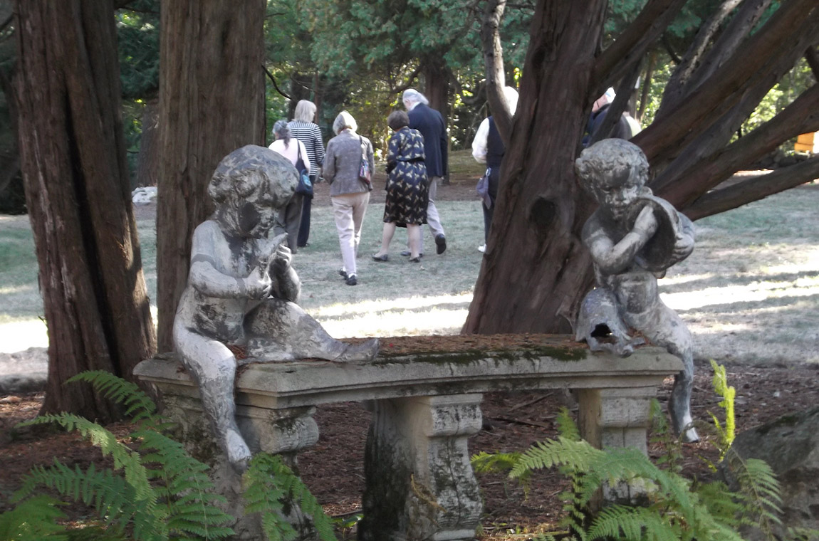 Photo: Guests explore the gardens and statues